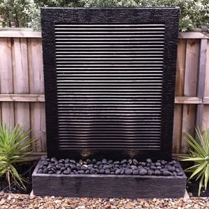 Water Wall – Black Louver